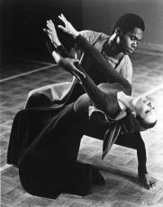 TRUE BELIEVER (1969) Choreography: Robert Moulton. Dancers: Rachel Browne, Ron Holbrook. Photo: J. Coleman Fletcher